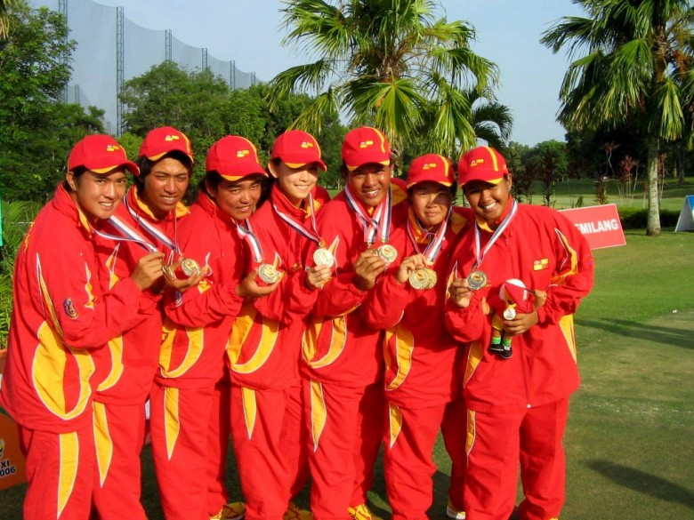 We all brought home the gold!! Go team Selangor!!