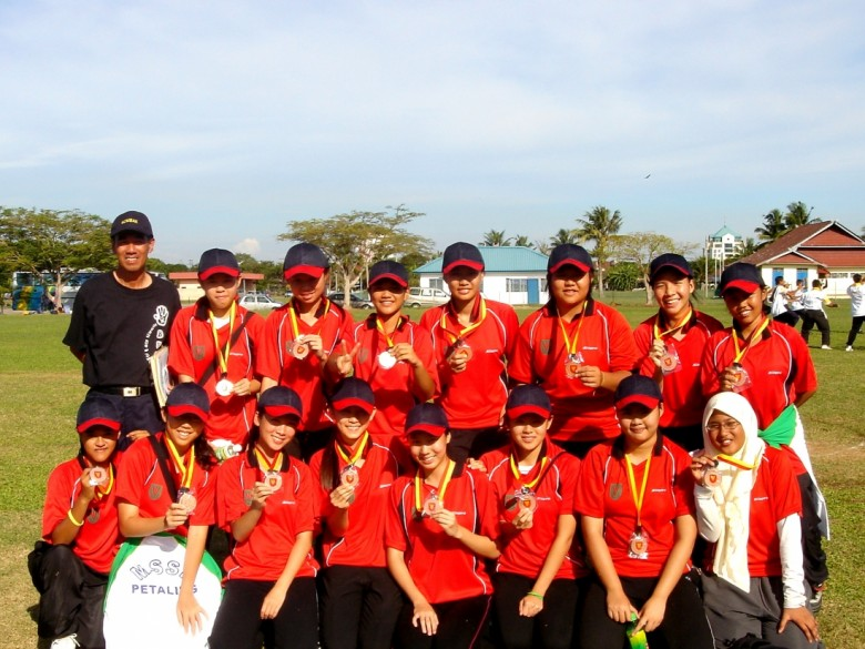 District of Petaling Jaya Represent!! We got a medal for being 5th place, wheeee